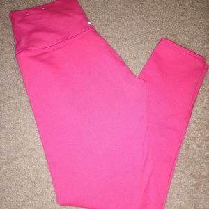 Aerie Hot Pink Move Leggings